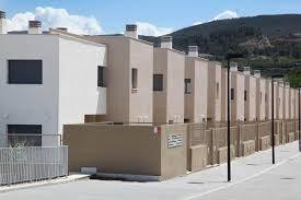 La Generalitat se reúne en Picassent y Alfafar con familias que residen en viviendas públicas ocupadas sin título para estudiar su posible regularizac