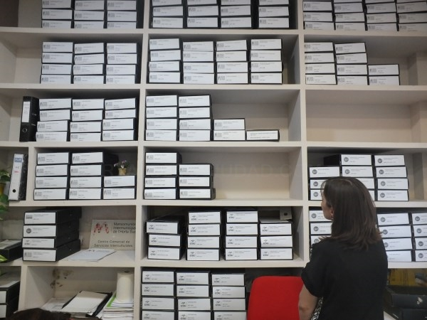 El personal de la Mancomunitat visita el archivo de Xàtiva para implementar flujos de trabajo en la digitalización de su fondo documental