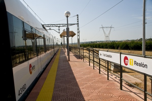 Obres Públiques suprimirá cuatro pasos a nivel de la red de Metrovalencia en Torrent, Alcàsser y Picassent