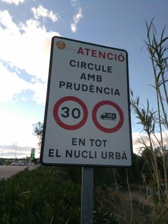 Picassent refuerza la seguridad viaria con señalización de límite de velocidad
