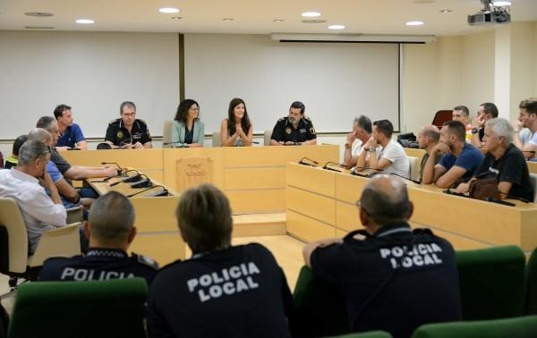 Reunión de coordinación y planificación con la plantilla de Policía Local de Paiporta para trazar nuevas líneas de trabajo