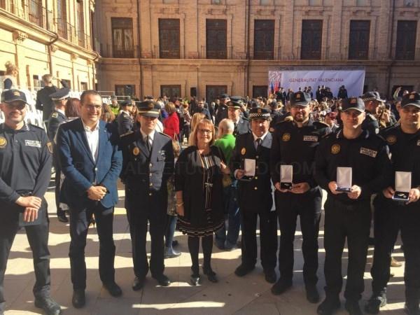 La Generalitat reconoce la tarea de 5 policías de Picassent