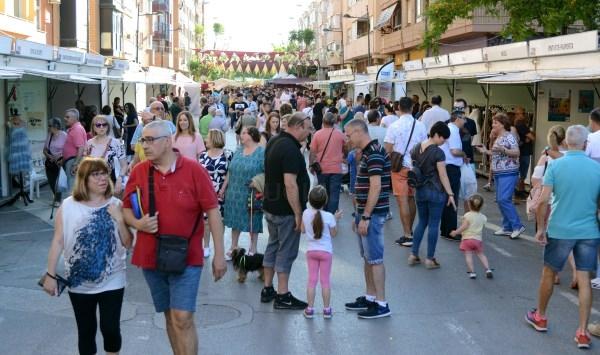 Éxito de participación en la IX Feria Comercial de Paiporta