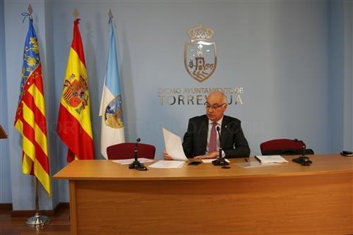 El Ayuntamiento de Torrevieja adjudica en dos meses los alumbrados de Cala Dorada, Rocío del Mar y La Mata