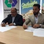 Orihuela renueva el convenio con la ONG Recicla Alicante para recoger ropa y calzado
