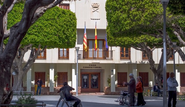 El Equipo de Gobierno del Ayuntamiento de Almoradí -Pp y Cs- rechaza la imposición de la Consellería a implantar sin consenso ni debate la religión mu