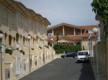 Vendo casa unifamiliar esquinera en la mejor zona de Plasencia