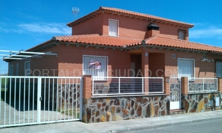 Vendo chalet pareado en Lominchar